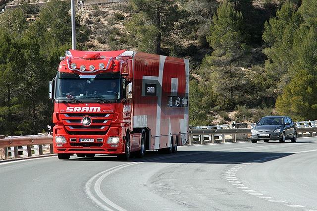 náhradní díly pro kamiony